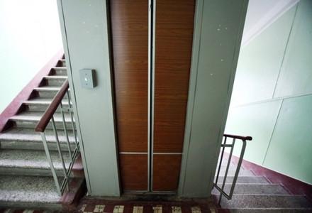 Xətaidə liftdə köməksiz qalan 1 nəfər xilas edildi