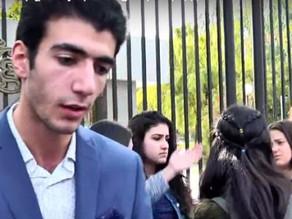 Ermənistanda tələbələr parlamentin binası qarşısında etiraz aksiyası keçiriblər