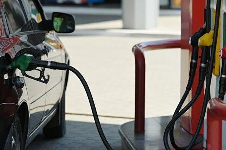 Benzin və dizel 10 faiz bahalaşıb