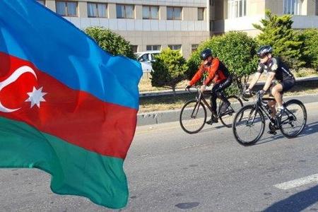 Mədət Quliyev və Elçin Quliyev velosiped yürüşündə