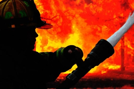 Bakıda üç otağlı ev yandı