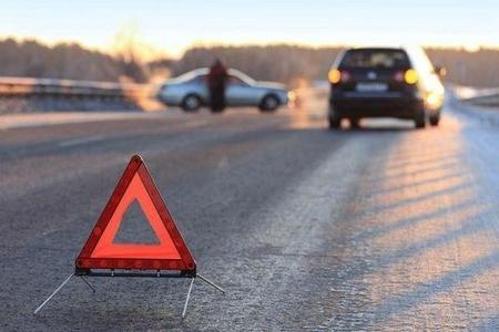 Gəncədə avtomobil iki azyaşlı qardaşı vurdu, biri öldü