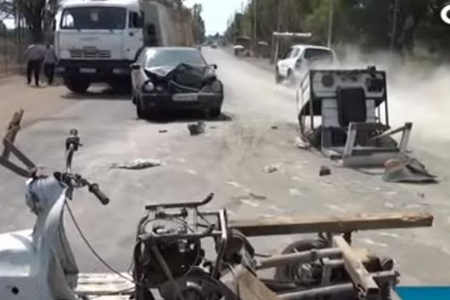 """Mercedes""lə motosiklet toqquşdu -"
