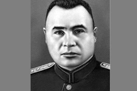 Stalini Kremldəki kabinetində söyən və sağ qalan yeganə adam -