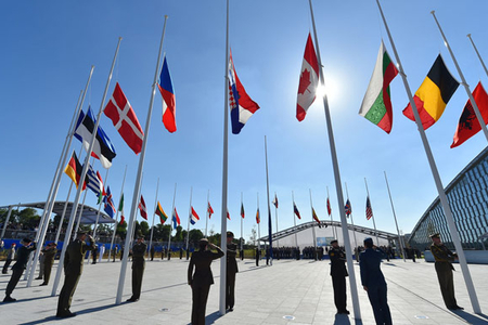 """NATO-ya alternativ - """"Avropa NATO-su"""": Azərbaycan nə etməli?"""
