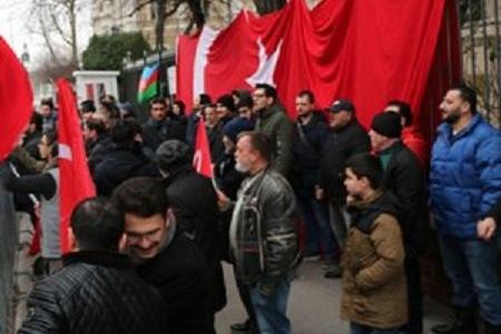Azərbaycanlılarla türklər Macarıstanda PKK tərəfdarları ilə üz-üzə gəldi