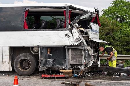 İspaniyada sərnişin avtobusu qəzaya uğrayıb, 5 nəfər ölüb, 27-si xəsarət alıb