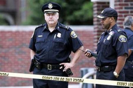 ABŞ-da atışma zamanı polis əməkdaşı öldürülüb