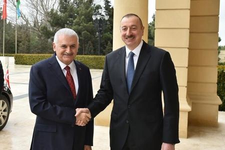 Azərbaycan prezidenti Türkiyə baş naziri ilə görüşüb