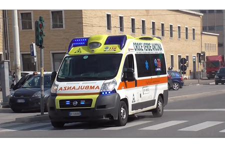 İtaliyada sərnişin avtobusu qəzaya uğradı - 26 yaralı