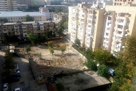 Yasamalda tikinti qalmaqalı intihar cəhdinə səbəb oldu -FOTOLAR