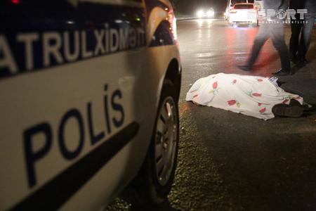 Bərdədə avtomobil yaşlı qadını vuraraq öldürüb