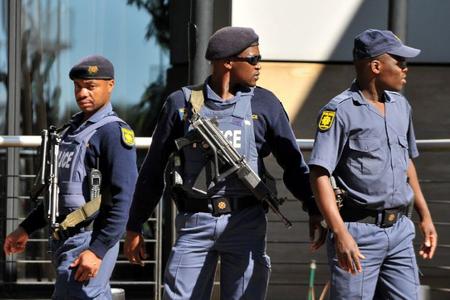 Polis Cənubi Afrikada nümayişi dağıtmaq üçün rezin güllələrdən istifadə edib, 23 nəfər saxlanılıb