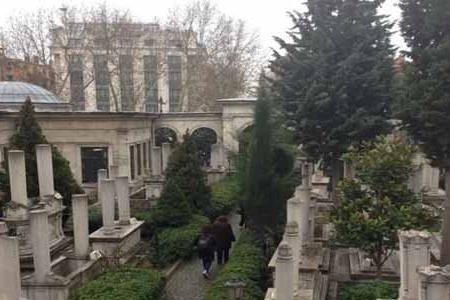 İstanbulda intihar edən azərbaycanlı kimsəsizlər qəbiristanlığında basdırıldı