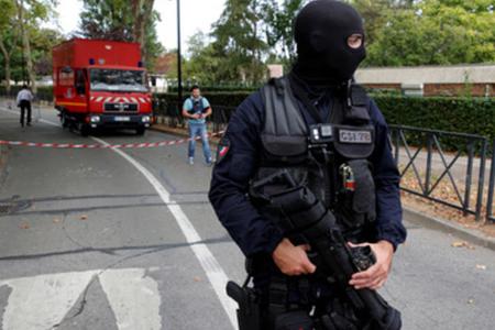 Parisdə xərac toplayan 23 çeçen saxlanıldı