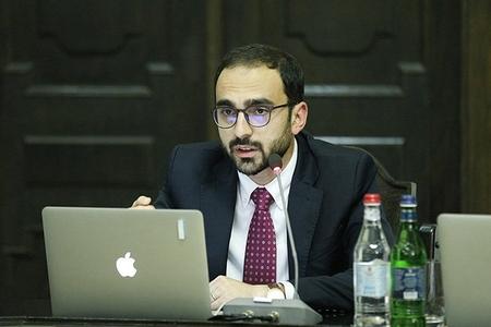 Ermənistan baş nazirinin müavini iş vaxtı marixuana çəkməkdə ittiham olunub