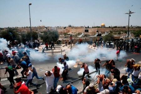 İsrail polisi cümə namazından çıxan müsəlmanlara hücum etdi: yaralılar var