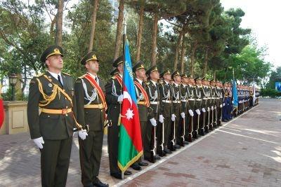 Azərbaycan Silahlı Qüvvələr gününü qeyd edir