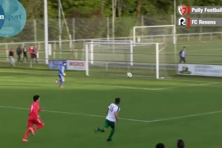 İsveçrəli futbolçu öz qapısına gözəl qol vurdu - VİDEO