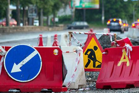 Sürücülərin NƏZƏRİNƏ: Bu yolda təmir işləri aparılır