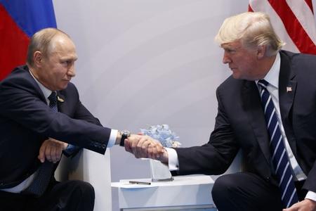 Tramp Putinlə görüş öncəsi atmosferi yumşaltmaq istəyir