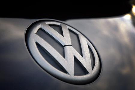 """""""Volkswagen"""" loqosunu dəyişəcək"""