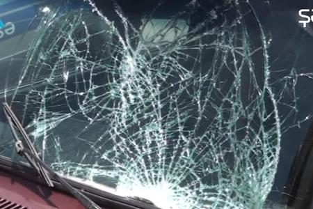 Qonaq gedən 16 yaşlı gənci maşın vurdu - VİDEO