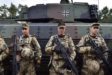 Almaniyada hərbi qruplaşmanın siyasətçilərə qarşı terror aktlarının üstü açılıb