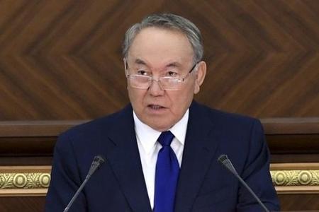 Nazarbayev əməkhaqlarını artırdı