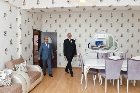 Prezident jurnalistlərin mənzillərində -FOTOLAR