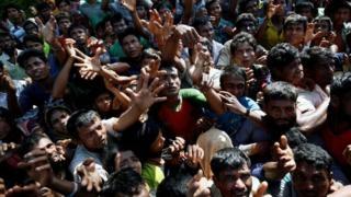 Myanma ordusunun generalı böhrana görə Rohincanı ittiham edir