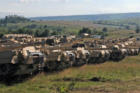 """NATO Rusiyanın """"qulağının dibi""""ndə təlimlərə başlayır - nəzərlər Moskvada"""