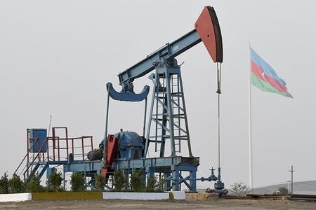 Azərbaycan neft hasilatını 20 min barel azaldır