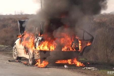 Saatlıda minik avtomobili yandı - FOTO