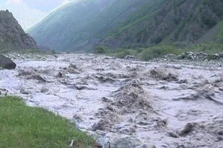 Özbəkistanda sel daşqınları nəticəsində 5 nəfər ölüb