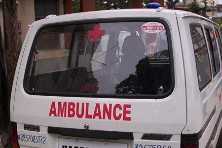 Hindistanda nəqliyyat deposu uçuldu - 8 nəfər öldü