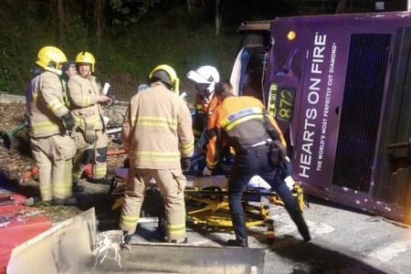 Ağır yol-nəqliyyat hadisəsi nəticəsində 19 nəfər ölüb