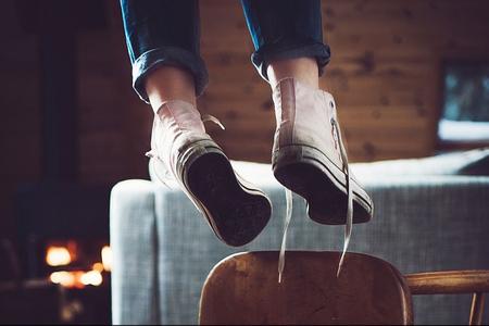 Sumqayıtda 16 yaşlı məktəbli qız intihar etdi
