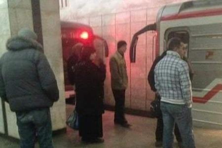 Bakı metrosunda vahimə: iki qatar üz-üzə gəldi - YENİLƏNİB + VİDEO