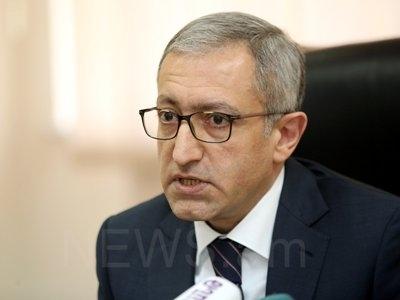 Ermənistan hakimiyyətində böhran - Nazir istefa verdi