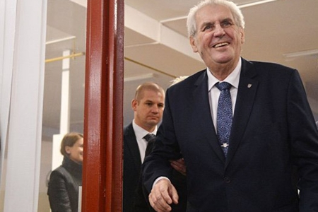 Çexiyada prezident seçkiləri: Miloş Zeman və İrji Draqoş ikinci tura adlayıblar