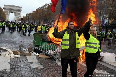 """Avropanın """"inqilab paytaxtı""""ndakı soydaşlarımızdan maraqlı açıqlamalar"""