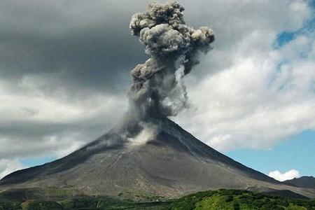 Balidə 30 min nəfər evini tərk edib - vulkan aktivləşir