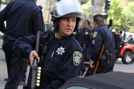 ABŞ-da silahlı şəxs polis zabiti də daxil olmaqla 8 nəfəri güllələyib