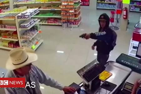 Meksikalı kovboy silahlı qarətin qarşısını aldı – VİDEO