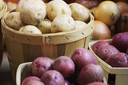 İranın kartof - soğan qadağası sabahdan qüvvəyə minir: Bakı bazarlarını nə gözləyir?