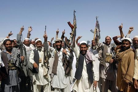 """Əfqanıstan hakimiyyəti dialoq təklifinə """"Taliban""""dan cavab almayıb"""