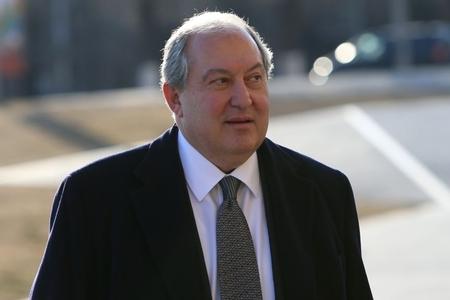 Ermənistanın Britaniyadan idxal olunan prezidenti: Müxalifət qeyri-legitim sayır