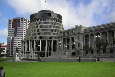 Yeni Zelandiyada hücum və yarımavtomat silahların qadağan edilməsi barədə qanun qüvvəyə minib