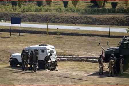 Hindistanda baş verən partlayış nəticəsində 6 polis həlak olub